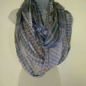 Anthropologie Saachi Infinity Scarf Plaid Gray
